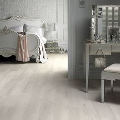 Image result for grey washed oak floors White Wash Laminate Flooring, White Wash Wood Floors, White Laminate Flooring, White Washed Oak, Wood Tile Floors, Vinyl Plank Flooring, Grey Flooring, Bedroom Flooring, Wood Laminate
