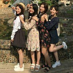 Irene, Yeri, Seulgi and Wendy Wendy Red Velvet, Red Velvet Irene, Black Velvet, South Korean Girls, Korean Girl Groups, Oppa Gangnam Style, Red Velvet Seulgi, Kpop Fashion, Kpop Girls
