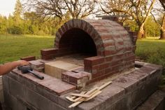 Buying an outdoor pizza oven, or paying to have one built, can become a pretty extravagant expense.