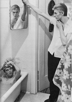 David Bowie & Candy Clark. The Man Who Fell to Earth (1975)