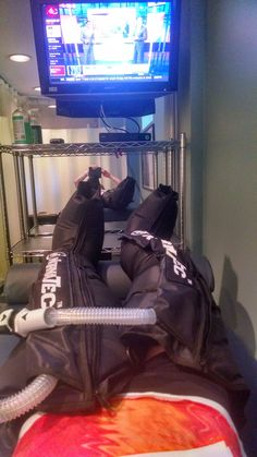 Half-Crazed Runner: NormaTec Recovery Boots are Awesome!