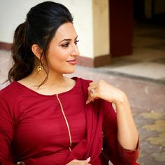 Tv Actress Images, Beautiful Gorgeous, About Hair, Desi, Actresses, Indian, Drop Earrings, Celebrities, Celebrity