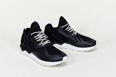 adidas Originals 回勇之年,是此高端支綫adidas Consortium 更以同宗弟兄Y-3的Qasa鞋款拿取靈感,再配上ZX 系列的元素設計出Tubular Runner。今回Tubular Runner先有別注發佈,以黑、白兩色呈現,採用多種物料交錯而成... http://easttouch.my-magazine.me/main/boys/view/1394