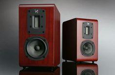 High end audio audiophile Quad speakers Fi Car Audio, Pro Audio Speakers, Small Speakers, Audio Music, Hifi Audio, Monitor Speakers, Audio Design, Speaker Design, Home Theater Surround Sound