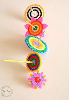 סוב..סוב..סוב.. Creative Activities For Kids, Diy For Kids, Crafts For Kids, Hanukkah Crafts, Holiday Crafts, Hannukah, Easy Perler Bead Patterns, Craft Iron, Beste Mama