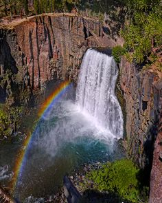 Rainbow Falls in Devils Postpile Nat'l Monument