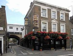 London: The Kings Arms, Roupell St.