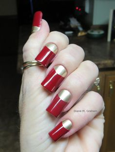 Diane Graham's nails are ready to cheer on the 49ers at the Super Bowl! Follow her at http://pinterest.com/simmi5/ to see all her fab nail art, and get your own set of beautiful and everlasting custom-fit nails at http://www.customnailsolutions.com/.