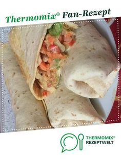Turkey and vegetable wrap by A Thermomix ® recipe from the main course with meat category at www.de, the Thermomix ® Community. Turkey vegetable wrap Wiebke Bluwatsch wbluwatsch Thermomix Turkey and vegetable wrap by Turkey Recipes, Meat Recipes, Crockpot Recipes, Salad Recipes, Snack Recipes, Dinner Recipes, Pizza Recipes, Healthy Snacks, Healthy Recipes