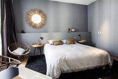 C'est dans le coeur du 10ème arrondissement de Paris que l'architecte belge Nancy Geernaert, crétrice de l'agence de design Just-in, s'est occupée de la décoration de cet ap…