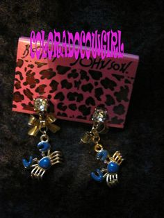 'Betsey Johnson Blue Enamel Crab Earrings J64' is going up for auction at  6pm Tue, Aug 20 with a starting bid of $6.