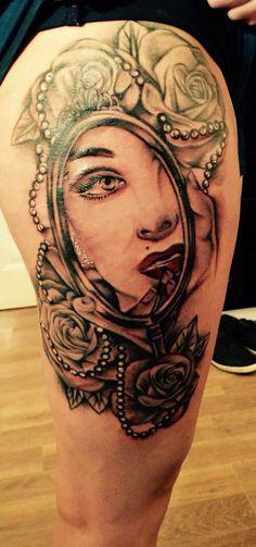 My Marilyn Monroe mirror thigh tattoo