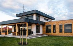 M-House vsadil na zdravé bývanie z materiálov, ktoré dýchajú Nie je drevodom ako drevodom  Na rozdiel od vyspelých západných krajín, na Slovensku ešte pretrváva nedôvera a hlavne neznalosť informácií o domoch vyrobených z dreva. Laická verejnosť si často myslí, že drevostavby sú charakterizované polystyrénom a OSB doskami. V prípade kvalitných difúzne otvorených stavieb spoločnosti M-House, s. r. o., to však nie je pravda. www.mhouse.sk