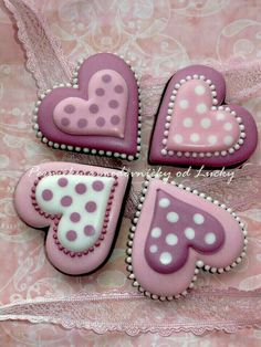 What could be better Valentines Day gift than some adorable Valentines Day Cookies? So here are some cute valentines day cookies for you. Fancy Cookies, Heart Cookies, Iced Cookies, Cute Cookies, Cupcake Cookies, Royal Icing Cookies, Sugar Cookies, Basic Cookies, Cookie Favors
