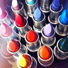 いいね!89千件、コメント259件 ― M·A·C Cosmeticsさん(@maccosmetics)のInstagramアカウント: 「Which hue are you?  #Regram from @mac5thavenue in New York City . #MyArtistCommunity…」