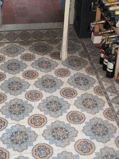 Oude vloertegels  Collectie FLOORZ Antieke vloertegels Oude vloer Antieke vloer