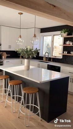 Kitchen Room Design, Modern Kitchen Design, Home Decor Kitchen, Interior Design Kitchen, Home Kitchens, Kitchen Ideas, Modern Kitchen Lighting, Black Couch Living Room, Cuisines Design