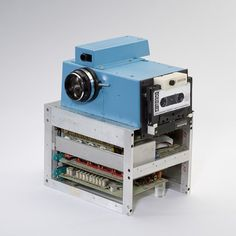 The first digital camera prototype made by Kodak engineer Steve Sasson in December 1975.