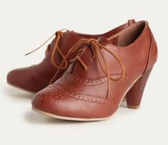at Ruche // brown oxford heeled shoes