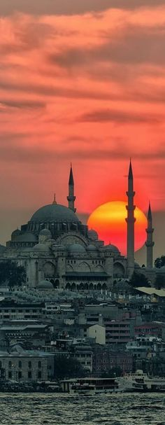 IstanbulTurkey ~ Taken from the Bosphorus shooting the silhouette of the BlueMosque Archaeologous.com #Istanbulturkey