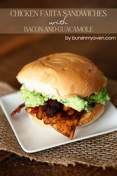 Chicken Fajita Sandwiches a recipe with Bacon and Guacamole - a fun spin on fajitas for a quick lunch or dinner! Bacon Recipes, Mexican Food Recipes, New Recipes, Dinner Recipes, Chicken Recipes, Cooking Recipes, Favorite Recipes, Yummy Recipes, Dinner Ideas