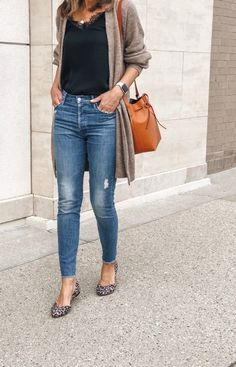 New Womens Fashion Autumn Fall Looks Jeans Ideas Fall Fashion Outfits, Spring Outfits, Womens Fashion, Fashion Trends, Mom Fashion, Style Fashion, Fashion Top, Winter Outfits, Fashion Edgy