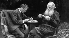 Mikhail Bulgakov e Lev Tolstoy,1910. Foto di V.Schertkov