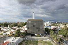 LoMa Chapalita bldg in Guadalaraja by Elías Rizo Architects