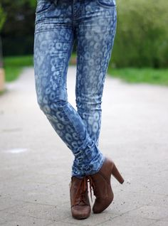 Jeans Makeovers - DIY Animal Pattern Jeans - Easy Crafts and Tutorials to Refashion Your Jeans and Create Ripped, Distressed, Bleach, Lace Edge, Cut Off, Skinny, Shorts, and Painted Jeans Ideas http://diyprojectsforteens.com/diy-jeans-makeovers