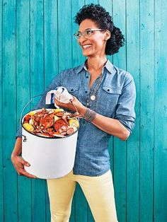 Carla Hall& crab boil party is a fun way to feed your crowd without having to work right through it. The Chew cohost shared her best entertaining tips and make-ahead tricks, so let& get cracking! Shrimp Boil Party, Crab Party, Seafood Boil Party Ideas, Seafood Dishes, Fish And Seafood, Seafood Recipes, Fish Recipes, Seafood Buffet, Recipies