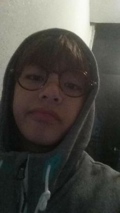 Discovered by Find images and videos about kpop, bts and jungkook on We Heart It - the app to get lost in what you love. Taehyung Selca, Bts Selca, Jimin, Seokjin, Kim Namjoon, Taekook, Foto Bts, Yoonmin, Wattpad