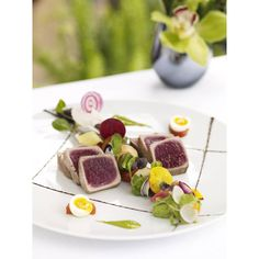 The team at @HotelBelAir has done it again. This Big Eye Tuna Nicoise platter is a one-of-a-kind experience. What's your favorite dish from Hotel Bel Air? @hugis33 #HotelBelAir #delicious #elegant #gourmet #beautiful #Tuna #Nicoise #DCMoments #DorchesterCollection #Healthy #HealthyEating