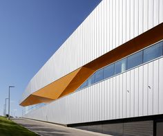 Timber Curtain Wall With Vertical Brise Soleil Fins By Www Dortech Co Uk Architectural Glass