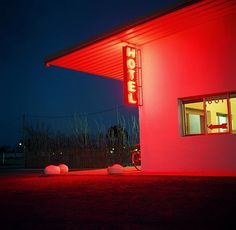 Marfa ~ thunderbird motel http://decorationlovers.com/ http://instagram.com/decoration_lovers https://twitter.com/decor_lovers https://www.facebook.com/decorationlovers
