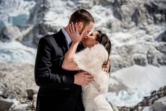 This California base couple married on Mount Everest and their wedding photos are epic. James and Ashely married, and Churchill photographed their wedding. Camp Wedding, Sister Wedding, Wedding Couples, Wedding Photos, Wedding Ideas, Indian Wedding Planning, Wedding Planning Websites, Got Married, Getting Married