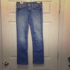 True religion straight leg Billy jeans sz 28 In good condition, inseam 30 waist 28... Straight leg True Religion Jeans Straight Leg