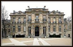 Hôtel Salomon de Rothschild [1873-78]- Paris VIII by RUAMPS ©, via Flickr Architecture Baroque, Classic Architecture, Historical Architecture, Beautiful Architecture, Villa Design, Facade Design, Elysee Palace, Glam House, French Apartment