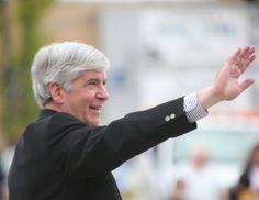 Governor Rick Snyder has vetoed guns-in-schools-and-churches bill in wake of Sandy Hook shootings | Eclectablog