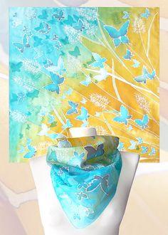 Foulards « papillons Meadow » de peintes à la main est un foulards carrés dans le jeu de couleurs bleu et or.  Cette écharpe en soie a été inspirée par des photos de lété que jai pris lan dernier près des lacs. Vous pouvez voir le bleu vif et vif du ciel et leau accompagnée dune brume dorée de prés. Lidée dune nuée de papillons vient de mon livre préféré personnel « Le Hussard sur le toit » de Jean Giono, avec les descriptions de paysage plus étonnantes.  Cette écharpe de papillons est…