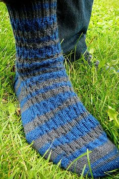 November Socks by PrairiePoppins, free pattern on Ravelry