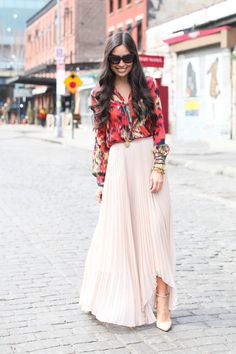 I've never tried a pleated maxi but I'd give it a whirl! I do love the top. MM