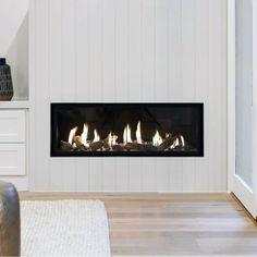 Discover the joy of a good old-fashioned fire with the top 70 best modern fireplace design ideas. Explore luxury built-in features for your home interior. Indoor Gas Fireplace, Linear Fireplace, Fireplace Design, Gas Fireplaces, Small Gas Fireplace, Natural Gas Fireplace, Modern Fireplaces, Bedroom Fireplace, Home Fireplace