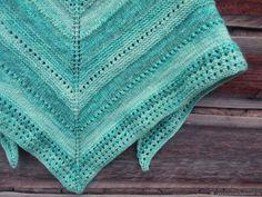 Купить Тёплая косынка вязаная спицами Благородный изумруд - морская волна, изумрудный цвет, косынка