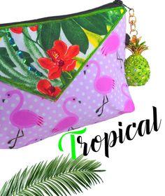 #trousse maquillage# flamant rose exotique à pois avec tissu jungle et ananas accroché. https://www.alittlemarket.com/trousses/fr_jolie_trousse_maquillage_flamant_rose_tropical_exotique_rose_-19026326.html