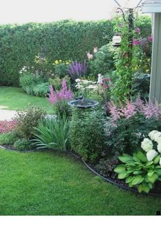 Garden Landscaping Backyard Landscaping Ideas - Plate bande Plus - Backyard Landscaping Ideas – Backyard is an essential part of a house that has a lot of functions. You can turn the yard into a small garden full of vegetable crops, . Back Gardens, Outdoor Gardens, Front Yard Gardens, Front Yard Planters, Amazing Gardens, Beautiful Gardens, Beautiful Beautiful, Beautiful Pictures, Garden Cottage