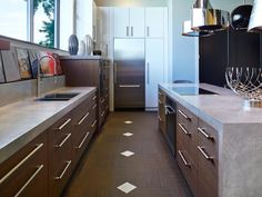 Bored with your basic kitchen countertops? Explore kitchen countertop options on… Kitchen Countertop Options, Granite Kitchen, Glass Kitchen, Kitchen Tiles, Kitchen Flooring, Kitchen And Bath, Kitchen Decor, Layout Design, Design Ideas