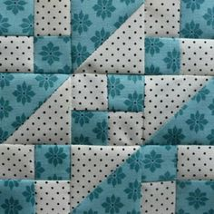 Patchwork blocks ideas quilt patterns Ideas for 2019 Scrappy Quilts, Easy Quilts, Patchwork Quilting, Mini Quilts, Quilt Block Patterns, Pattern Blocks, Block Quilt, Quilt Kits, Quilt Blocks Easy