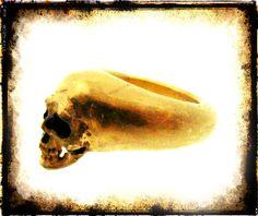 Anello Teschio Necropoli  Anello teschio in Argento 800 dorato questo anello è un imitazione dello stile degli anelli di scavo - Dogale jewellery Venice Italia