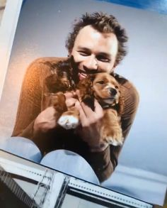 """📷 Heath Ledger with Ned and Bob, the two dogs he and Naomi Watts owned, photographed by Ben Watts in Unpublished photo shared by in one of his Instastories and part of his upcoming exhibition. Health Ledger, Ned Kelly, Heath Ledger Joker, For Elise, Most Beautiful People, Joker Cosplay, Celebrity Portraits, Hollywood Actor, Good Looking Men"