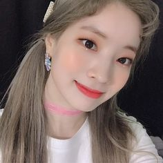 Find images and videos about twice and dahyun on We Heart It - the app to get lost in what you love. Nayeon, South Korean Girls, Korean Girl Groups, Sana Momo, Idol, Mod Girl, Jihyo Twice, Chaeyoung Twice, Twice Dahyun